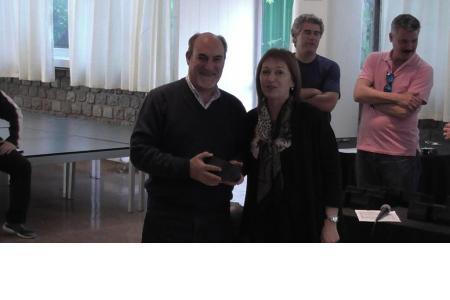 El socio Corallo, ex presidente del Club, junto a la vicepresidenta Silvia Izzo
