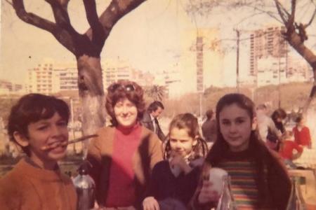 Año 1974 - Almuerzo en los quinchos