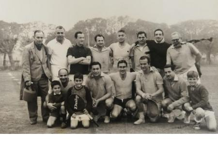 Año 1963 - Torneo Interno de Fútbol - Soltero vs Casados.